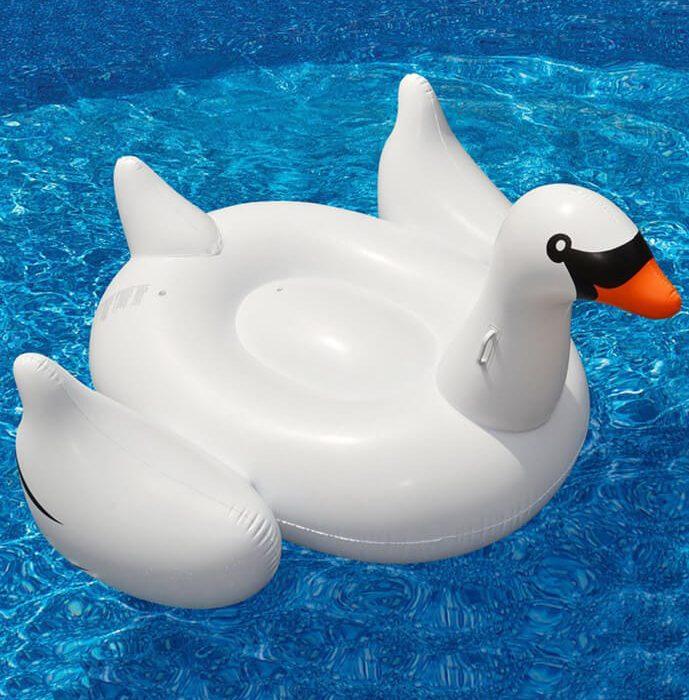 Bílá nafukovaci labuť